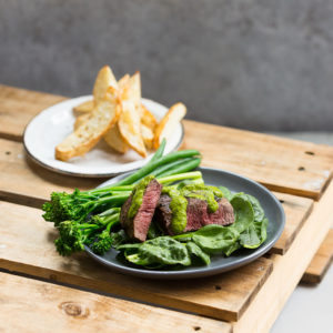 Steak w Thick Cut Chips & Greens