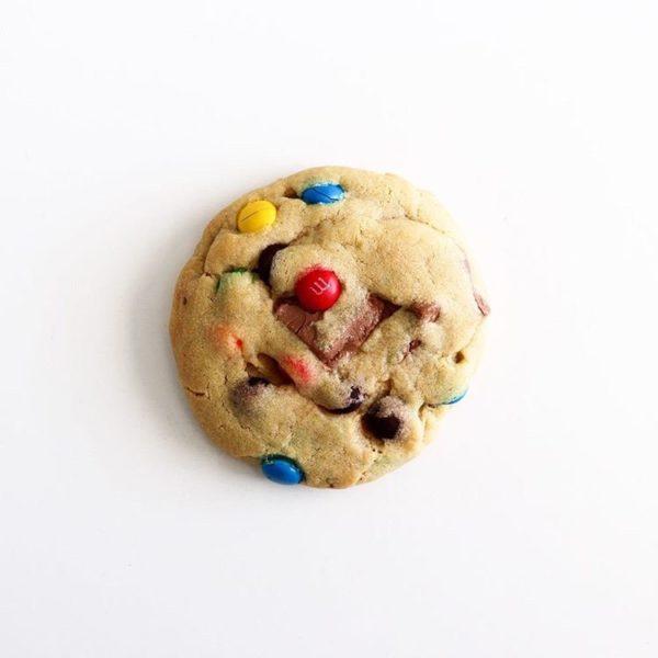 Annimentary Signature Rainbow MnM Cookies 1